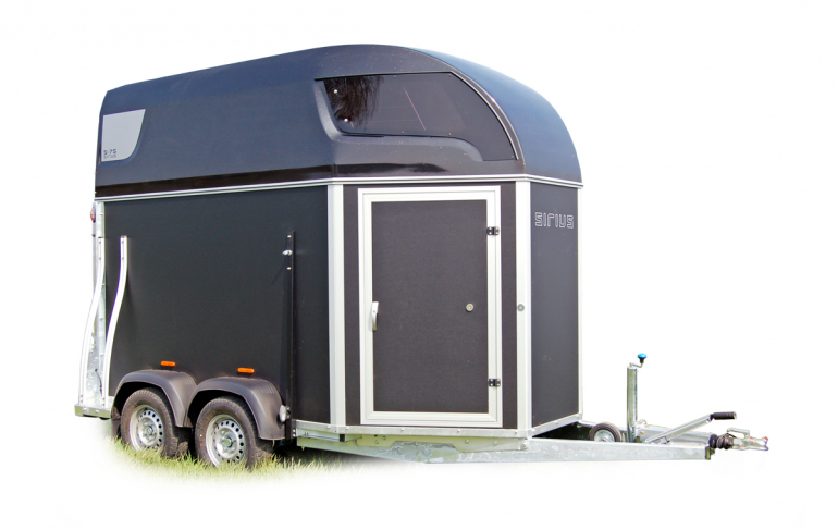 Sirius S75 horsetrailer wooden sides safe functionality space solid